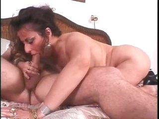 Chubby mature hardcore bedroom fuck