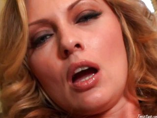 Horny MILF pussy close up