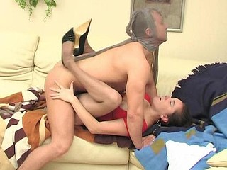 Awesome chick making widen-eagle just after giving smashing pantyhosejob