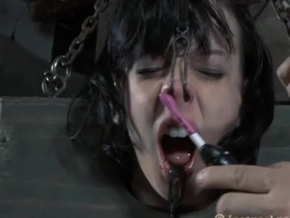 Nude and gagged hottie acquires wild cunt satisfying