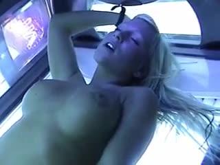 Huge cumshot on fuck slut in tanning bed