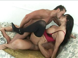 Stunning Anal MILF Mandy Bright Gets Covered In Thick Cum In a 3some