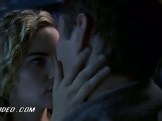 Delicious Babe Jennifer Jason Leigh Getting Frisky With Jude Law