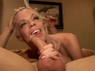 Slender bimbo fucked in the bed