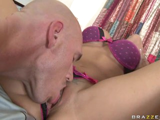 Slutty Rachel Starr spreads her clit for her lover to eat her pussy