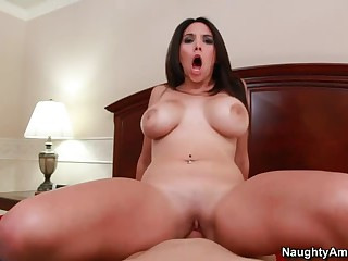 Bedroom fun with big meloned Missy Martinez