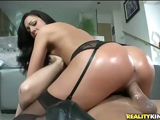 Big Round Ass of Tiffany Brookes  In Action