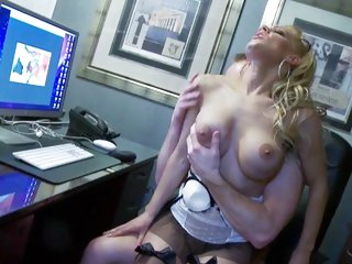 Randy babe LouLou bounces her pussy on a hard shaft