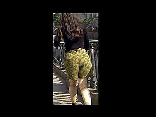 Public pissing fail of a cutie in shorts