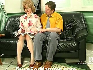 Younger guy pleasing aged cum-hole using rubber vibrator and his pulsating dick