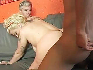 Pale cuckold wife with tattoes gets shagged by black stud