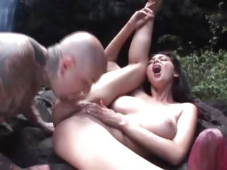 Tera Patrick enjoys an outdoor anal fucking