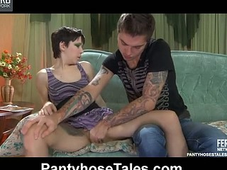 Bobbed chick gets banged thru her barely there tights after a nylon footjob