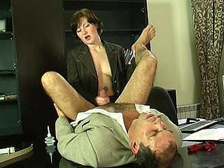 Sizzling hawt secretary having strong desire to put in action her strap-on