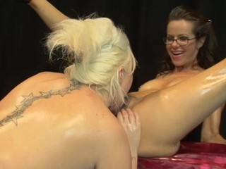 Bawdy slut gets some coarse fisting from golden-haired