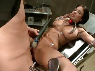 Sizzling Anissa Kate gets crammed up her pussy