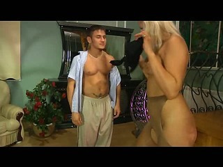 Flossie&Govard stunning anal pantyhose action