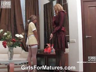 Bridget&Sheila mature in lesbian action