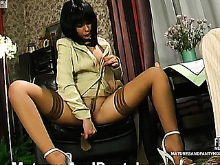 Freaky older chick in lacy hose making widen-eagle for wild fucking