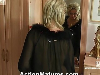 Sexy aged gal in patterned nylons not quite getting off in wild fuck-fest