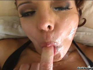 Luscious Francesca Le gets the perfect popshot fresh and warm on her face