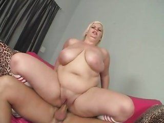 Hot chunky babe Tiffany Blake takes a blasting