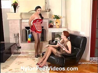 Marion&Rosa great nylon feet video