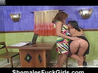 Filthy chick seducing shemale craving for maddest dicking on the table