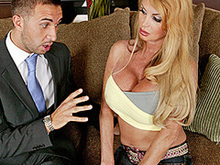 Taylor Wane can't live without water, that babe can't live without it so much that this babe uses way way too much of it and the town is urinated. Keiran Lee, a water management representative, informs Mrs Wane that that babe needs a permit for that much water usage. A permit of this size would cost Mrs Wane around 5.000..