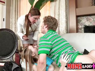 Blonde teen Ava Hardy was getting a good fuck with boyfriend on the living room couch. But unfortunately her mom Samantha Z came in and found them. After chatting a bit she starts giving her daughter a lesson of sucking cock. She even started to give blowjob to guy to demonstrate the art of blowjob!