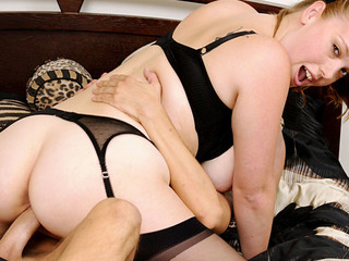 Breasty chick brings her fresh horny fuckfriend to her place...!